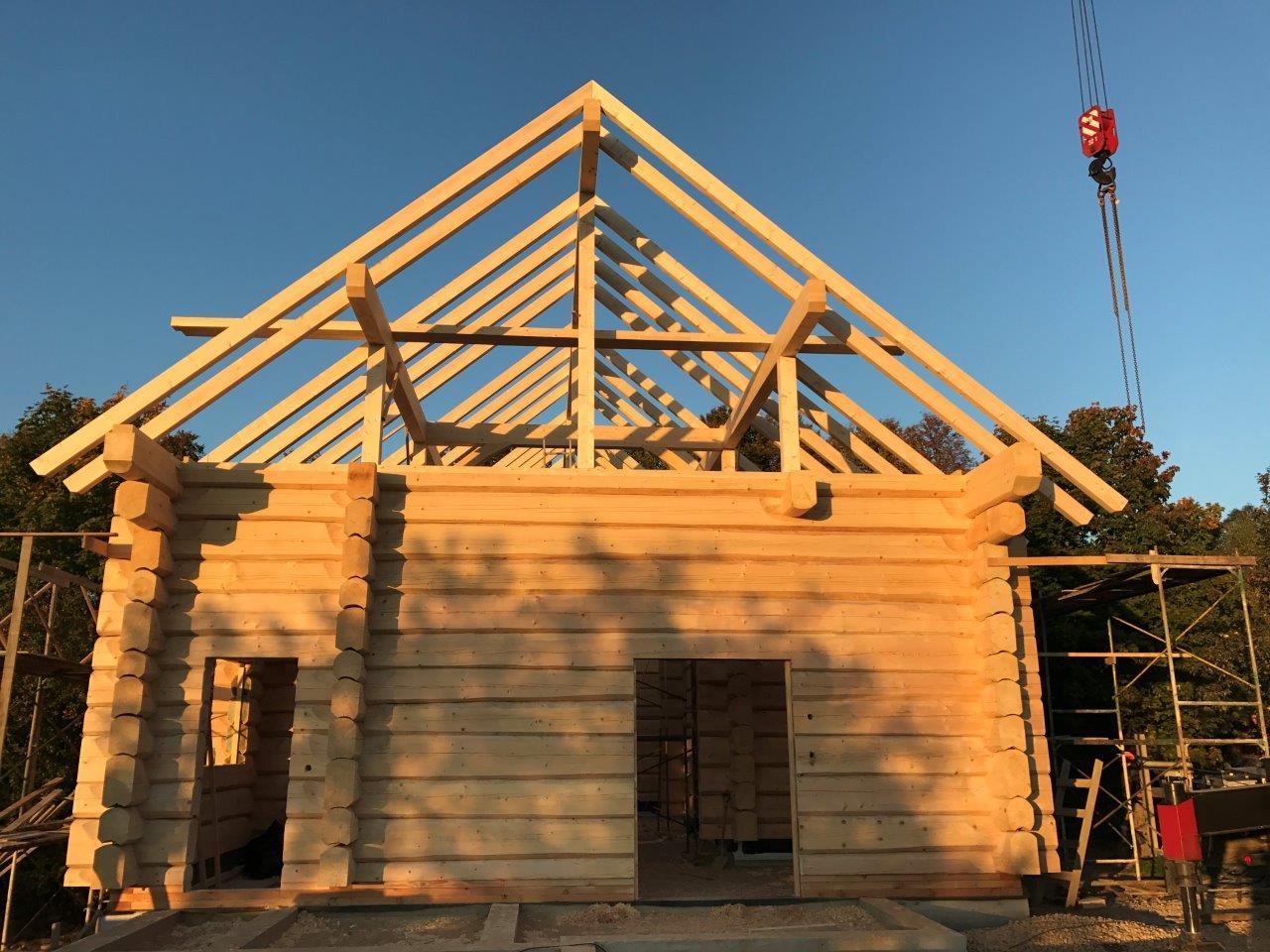 Aufbau eines Dachstuhls komplett - Zimmerei Lenk