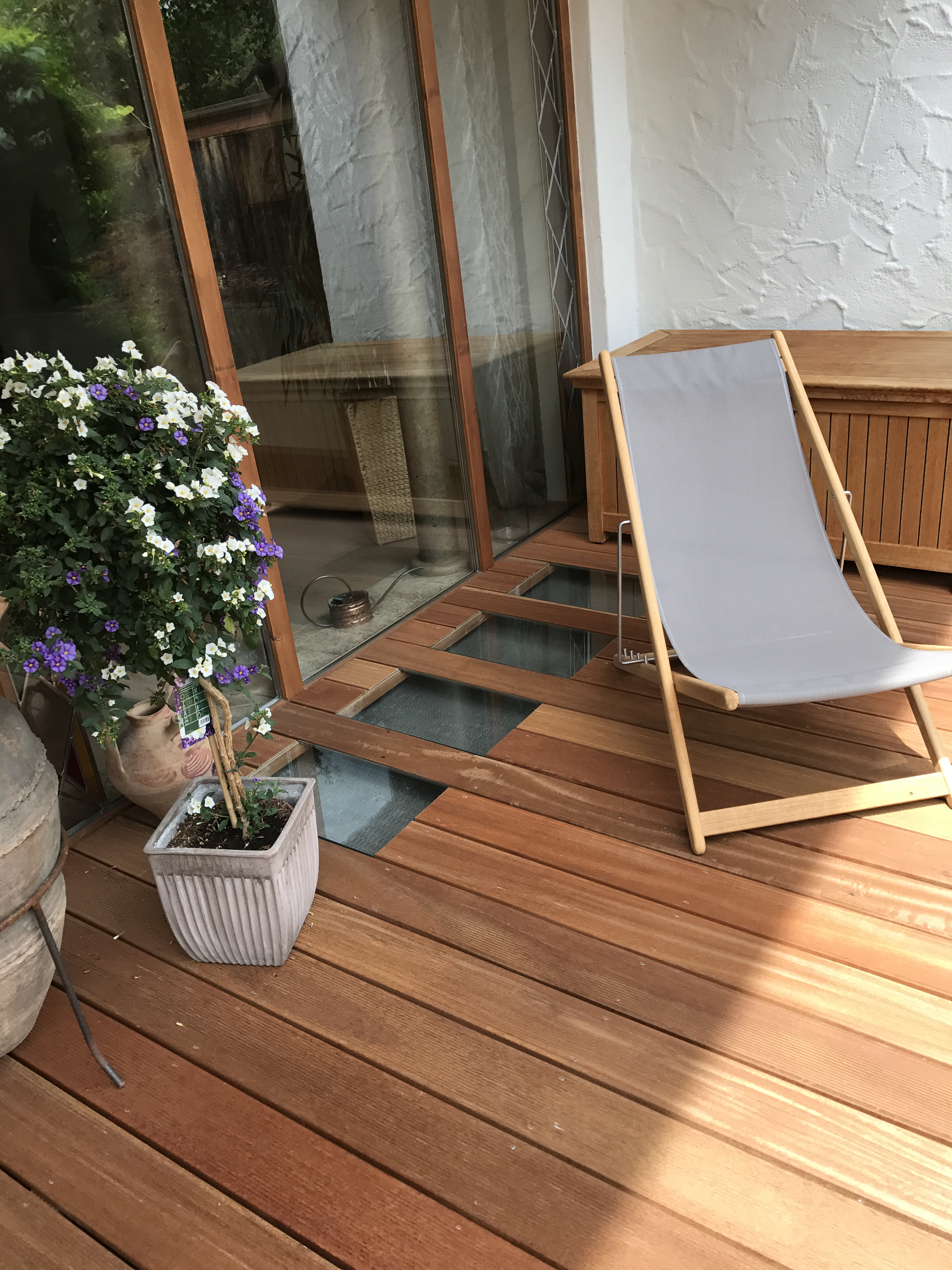 edle terrasse aus holz zimmerei lenk zimmerei. Black Bedroom Furniture Sets. Home Design Ideas